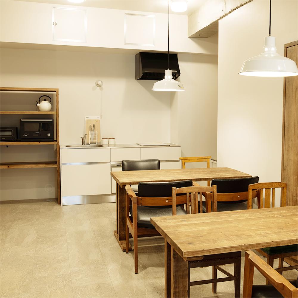 共有スペースとキッチンはすぐ隣