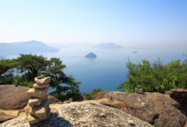 宮島の弥山から瀬戸内海を見渡した景色